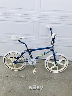 1987 Dyno Compe with Pretzel Bars GT tires GT performer mags Oldschool bmx Survivo